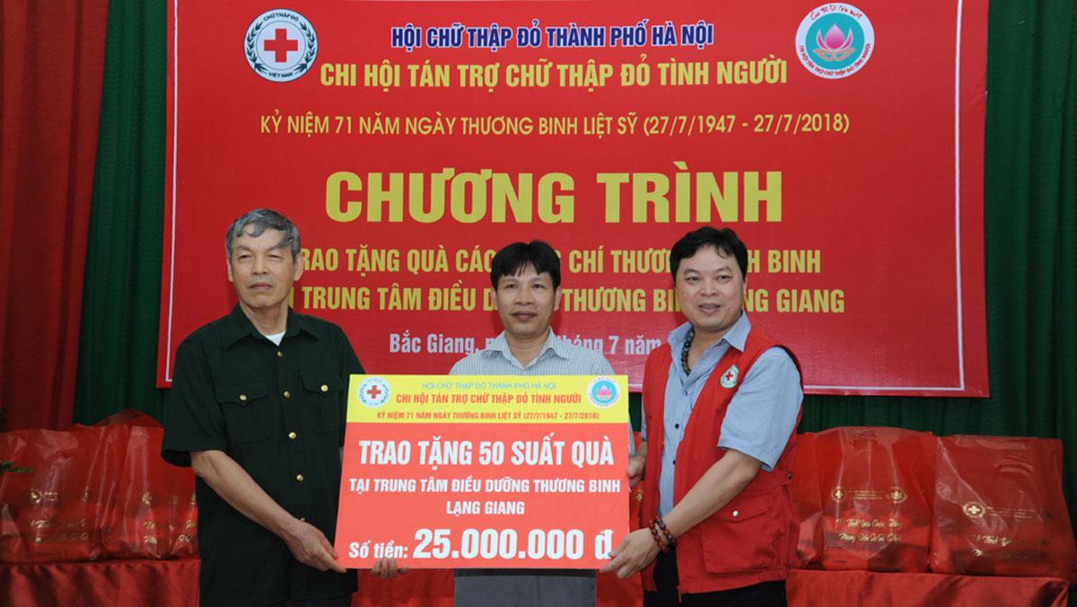 Giao lưu, thăm, tặng quà Trung tâm Điều dưỡng Thương binh Lạng Giang